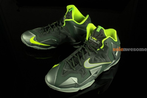 nike-lebron-xi-11-gs-dunkman-new-images-3