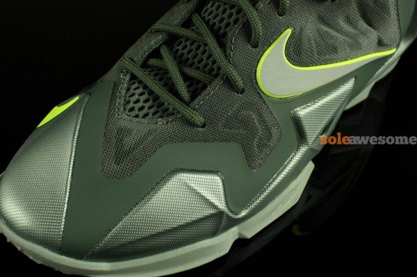 nike-lebron-xi-11-gs-dunkman-new-images-5