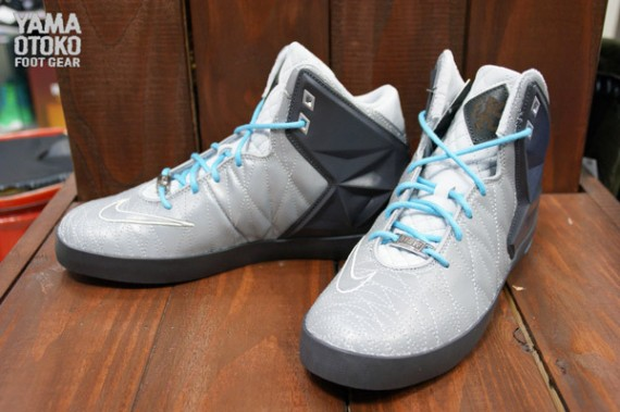 nike-lebron-xi-11-nsw-lifestyle-reflective-silver-release-date-info-1