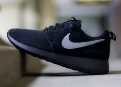 Nike Roshe Run GS 'Black/Metallic Silver'