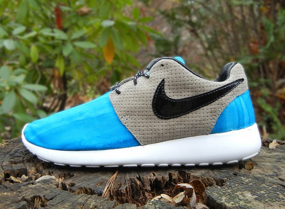 Nike Roshe Run Batik by JBF Customs