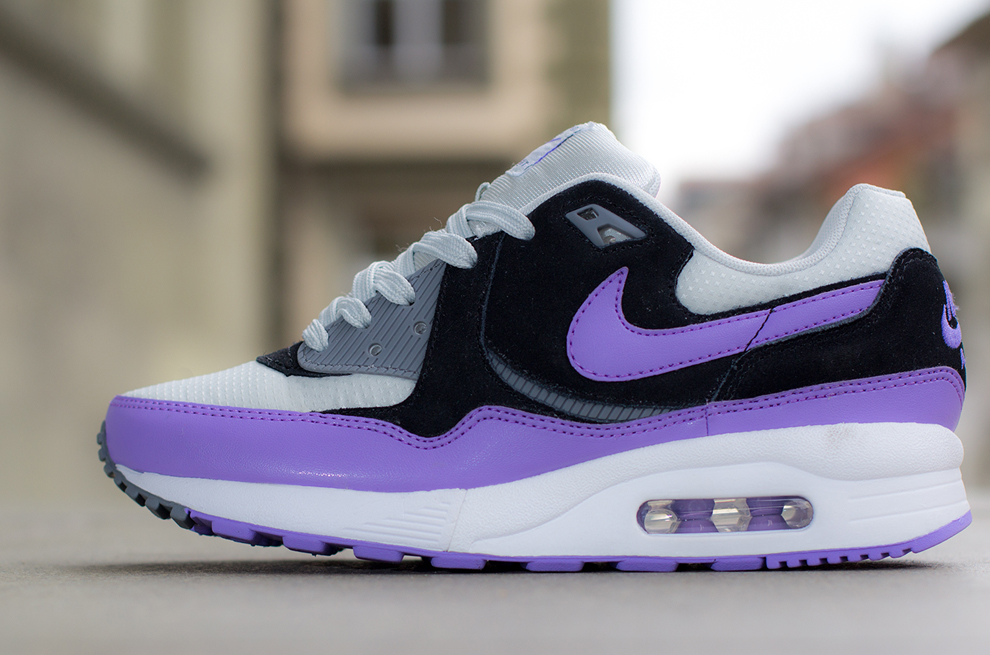 nike-wmns-air-max-light-light-base-grey-atomic-violet-black-cool-grey-1