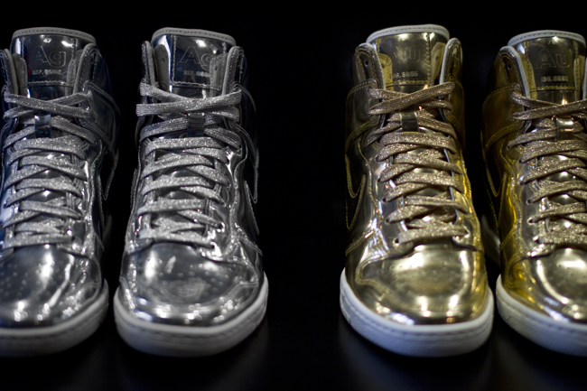 nike-wmns-dunk-sky-high-liquid-metal-pack-now-available-6