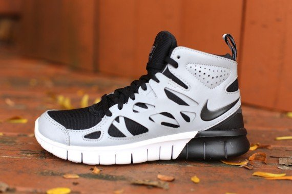 Nike Free Run 2 Sneakerboot for Women - Black Metallic Silver White