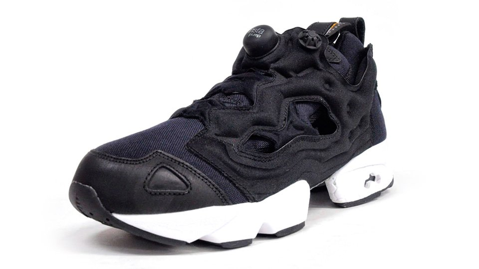 reebok insta pump fury 39 cordura 39 black white sneakerfiles. Black Bedroom Furniture Sets. Home Design Ideas