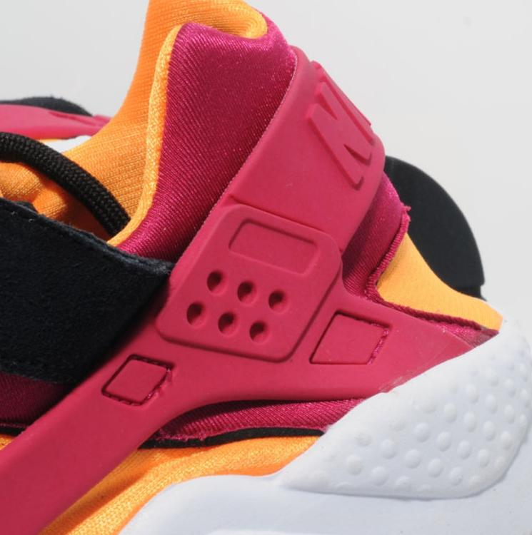 release-reminder-nike-air-huarache-black-laser-orange-fuchsia-size-worldwide-exclusive-4