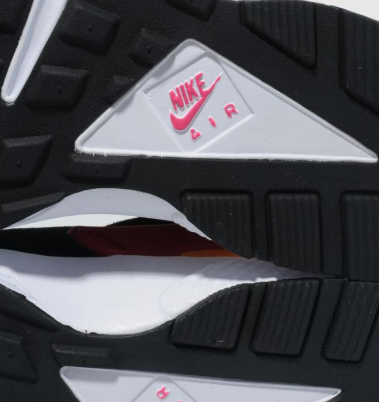 release-reminder-nike-air-huarache-black-laser-orange-fuchsia-size-worldwide-exclusive-5