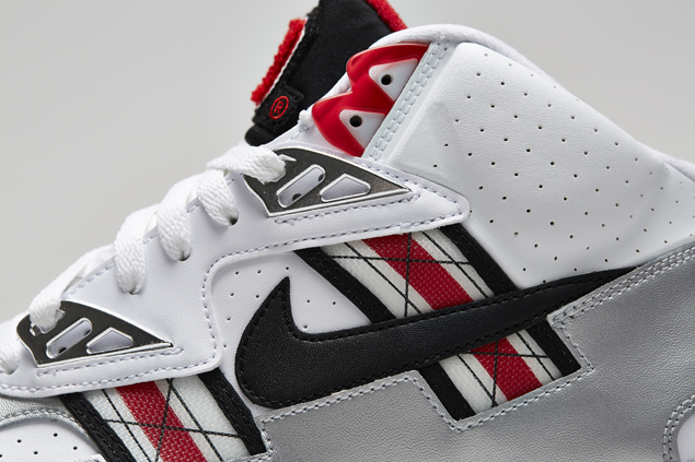 release-reminder-nike-air-trainer-sc-high-prm-qs-ohio-state-4