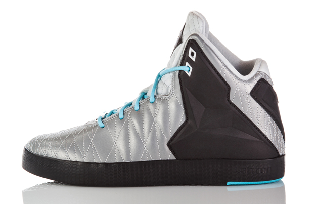 release-reminder-nike-lebron-xi-11-nsw-lifestyle-reflect-silver-reflect-silver-dark-charcoal-2