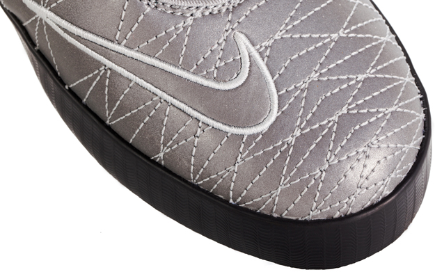 release-reminder-nike-lebron-xi-11-nsw-lifestyle-reflect-silver-reflect-silver-dark-charcoal-3
