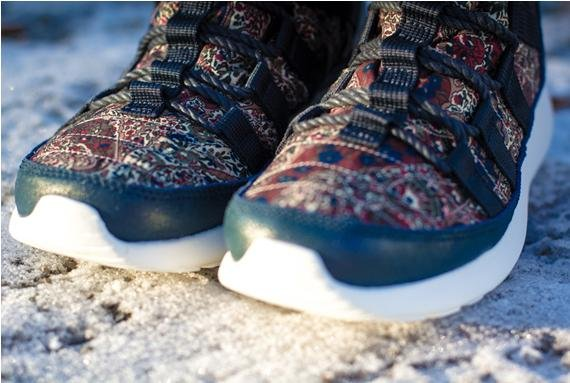 Liberty x Nike WMNS Roshe Run Hi SneakerBoot