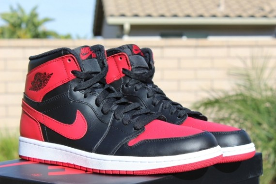 "d9dc38309aa4c4 Air Jordan 1 Retro High OG ""Bred"" – Release Reminder"