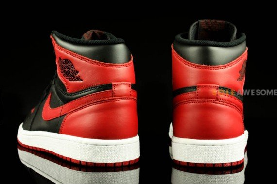Air Jordan 1 High OG Bred Epic Look