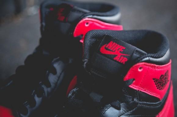 black-red-aj1-2013-3-900x599