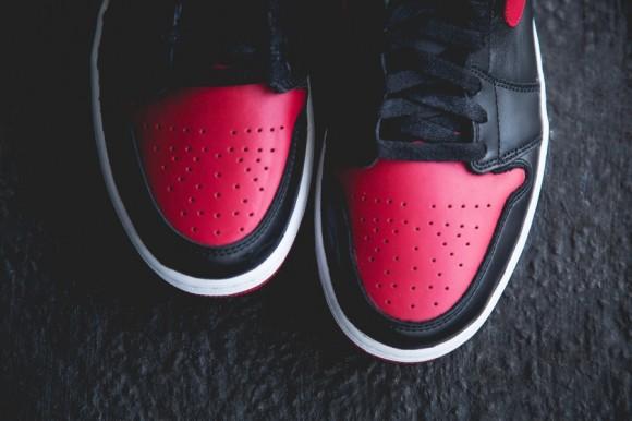 black-red-aj1-2013-5-900x599