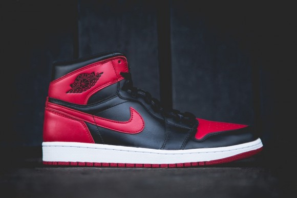 Air Jordan 1 Retro High OG Bred New Images