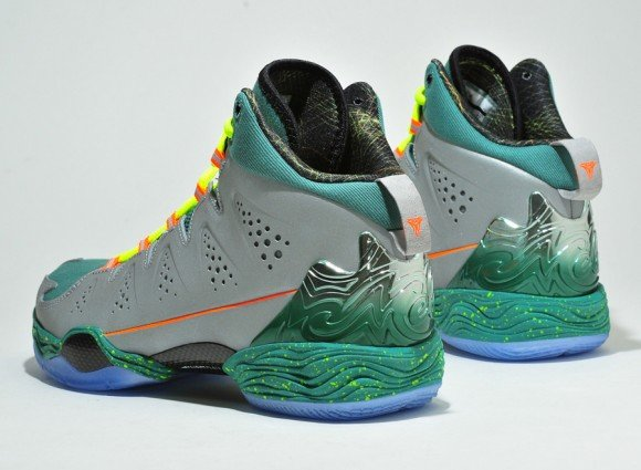 Jordan Melo M10 Christmas Closer Look