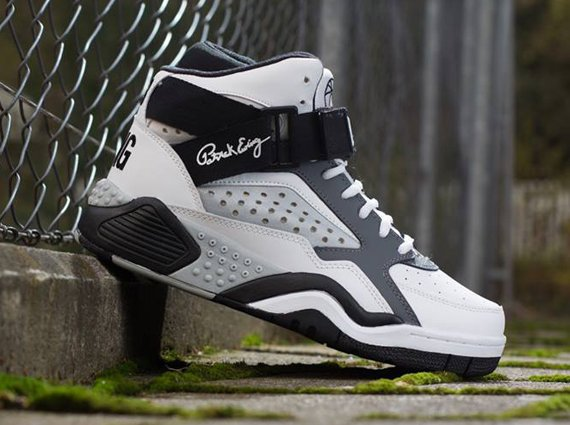 Ewing Focus White Black Grey