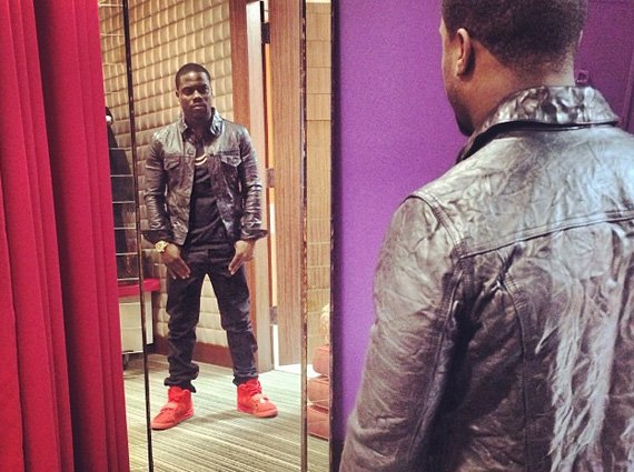Kevin Hart in Nike Air Yeezy 2 Red October