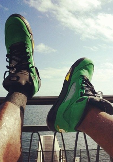 "LeBron James in Air Jordan 5 ""Oregon""  e3b8e694dc"