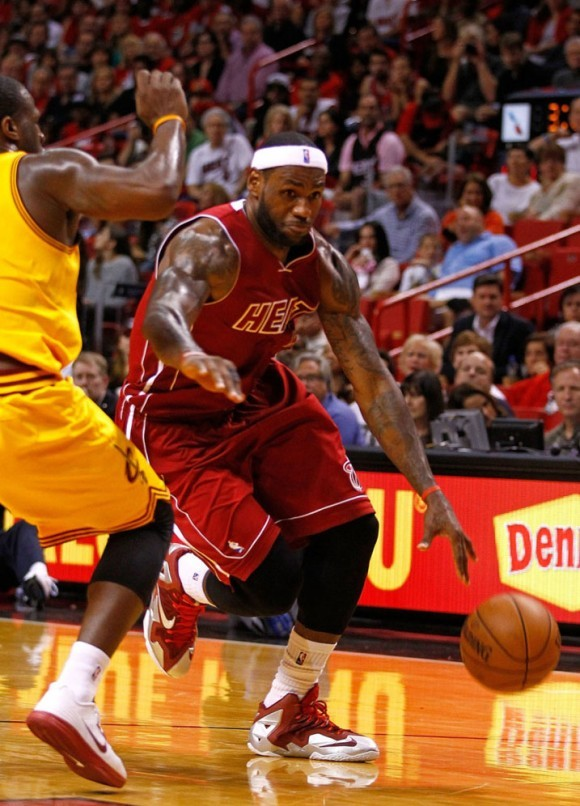 LeBron James Wears Nike LeBron 11 Red/Silver PE | SneakerFiles