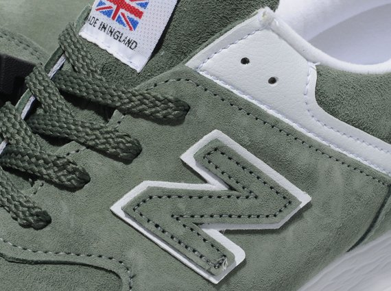 New Balance 576 WMNS Green Now Available