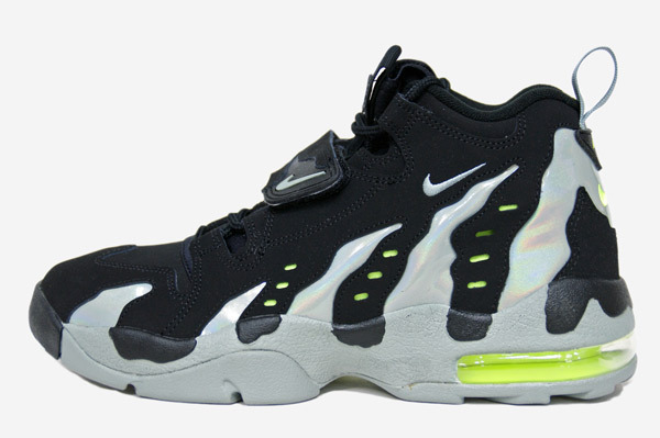nike-air-dt-max-96-black-mica-green-volt