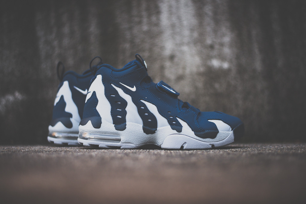 nike-air-dt-max-96-brave-blue-wolf-grey-now-available-2