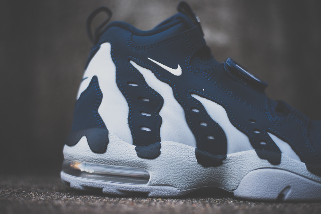 nike-air-dt-max-96-brave-blue-wolf-grey-now-available-3