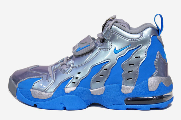 nike-air-dt-max-96-metallic-silver-vivid-blue-black