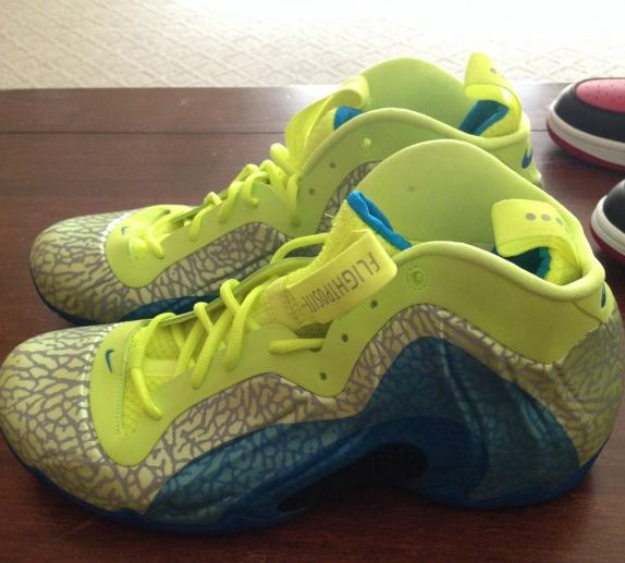 nike-air-flightposite-exposed-volt-photo-blue-black-release-date-info-1