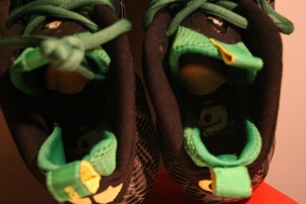 nike-air-foamposite-one-oregon-ducks-our-best-look-yet-7