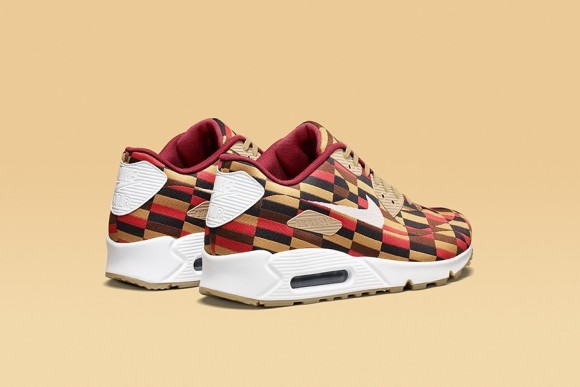 London Underground x Nike Air Max Roundel Collection