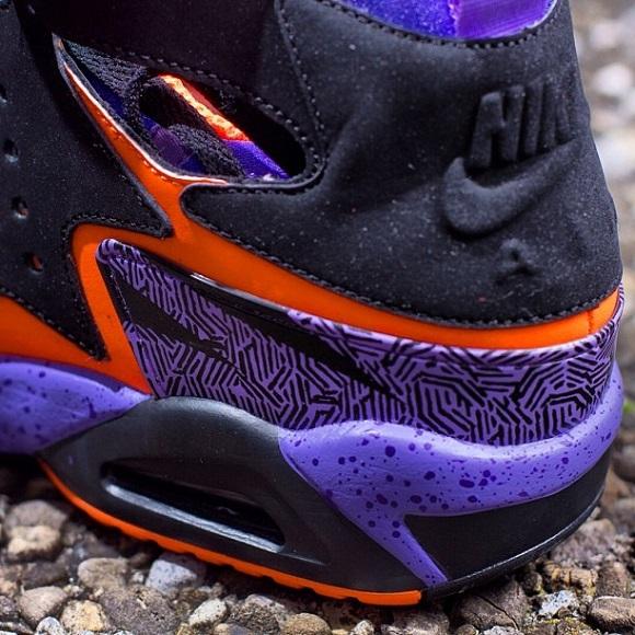 Nike Air Tech Challenge Huarache Black Court Purple Atomic Orange