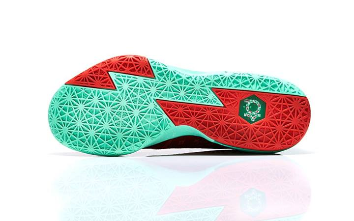 nike-basketball-christmas-pack-footlocker-release-details-11