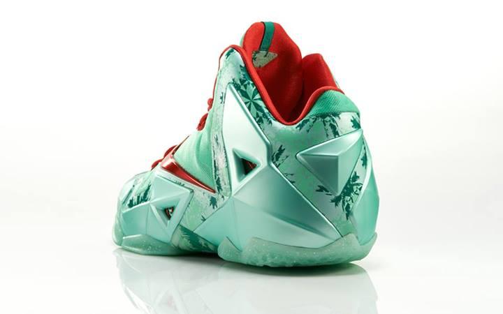 nike-basketball-christmas-pack-footlocker-release-details-5