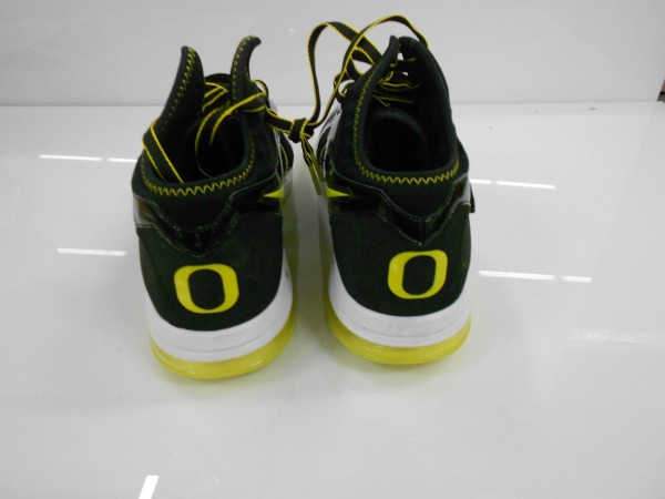 nike-cj-81-trainer-max-oregon-ducks-pe-3