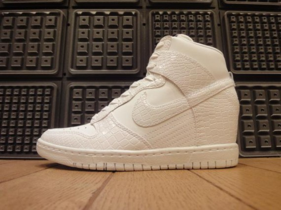 87b4a4a864d5 discount code for buy nike dunk sky hi suede wedge sneakers 60fc5 f3bf8   canada nike wedge sky high 635f5 41b18