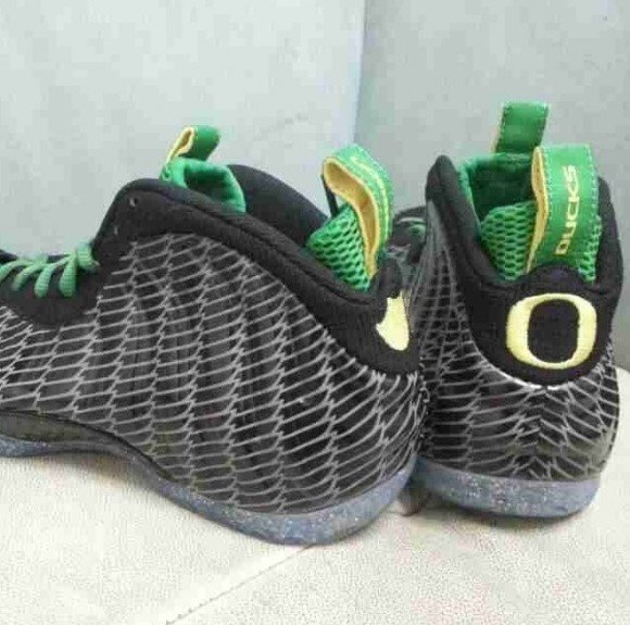 Nike Foamposite One Oregon Even Closer Look