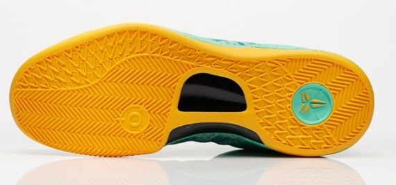 Nike Kobe 8 Green Glow Official Images