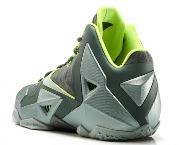 Nike LeBron 11 Dunkman Release Reminder