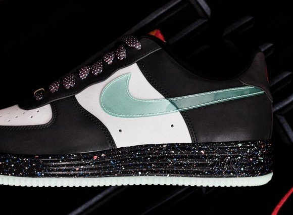 Nike Lunar Force 1 Year of the Horse Detailed Look