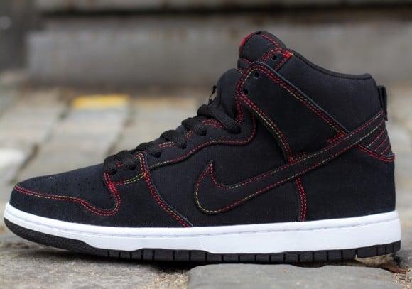Nike SB Dunk High Black Gradient Contrast Stitching