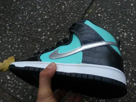 Nike SB Dunk High Tiffany Another Look