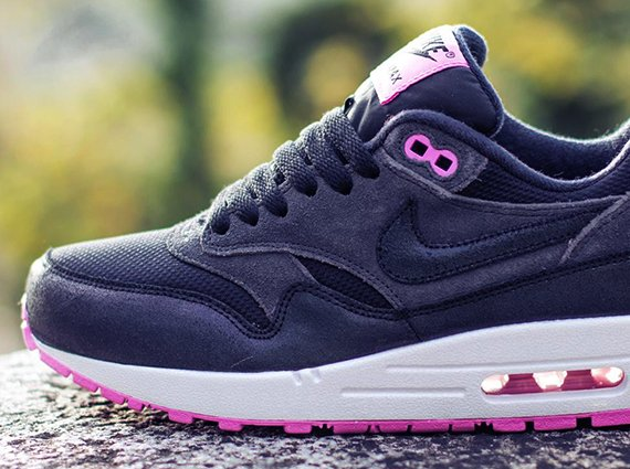 Nike WMNS Air Max 1 </p>