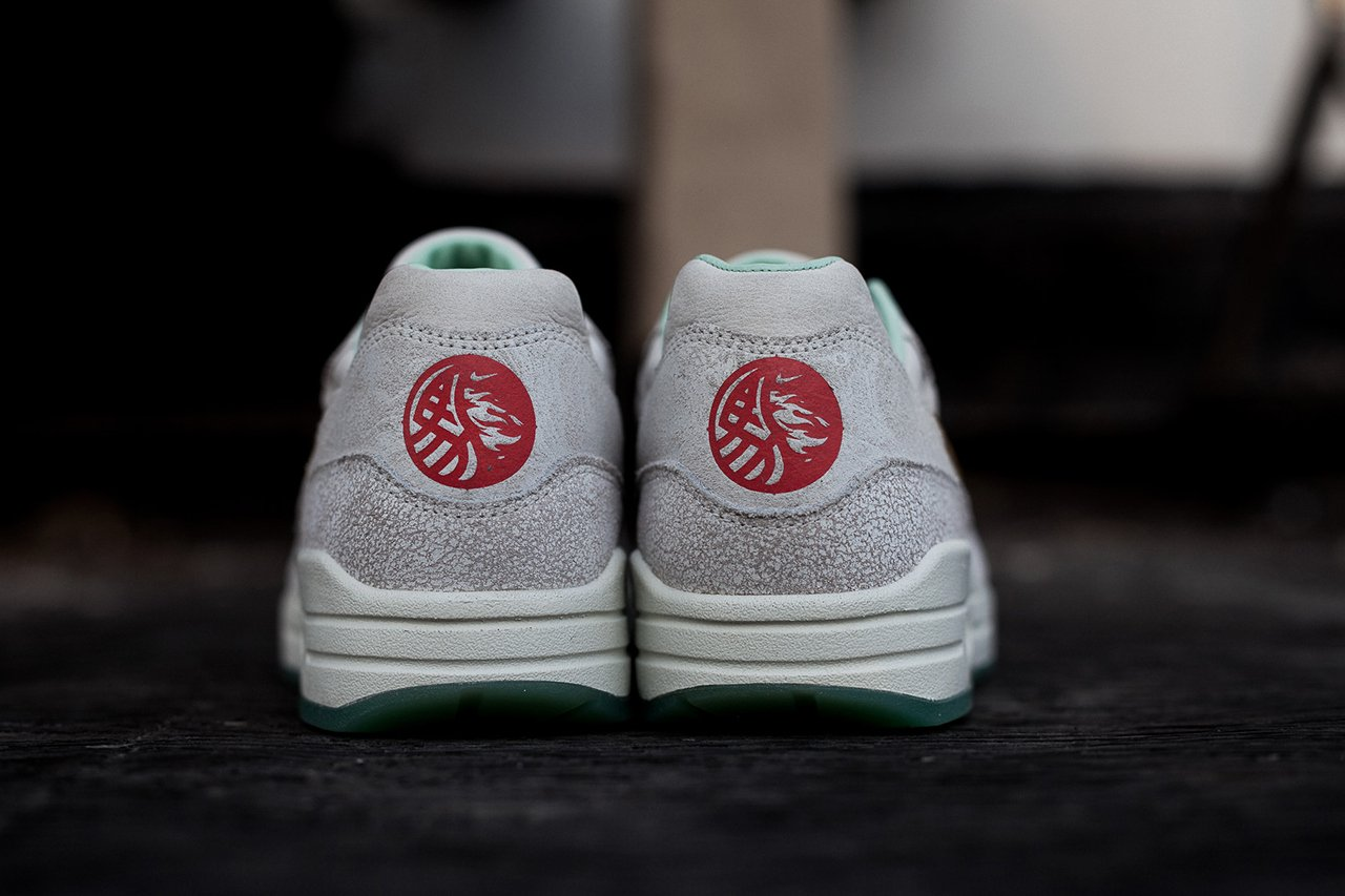 nike-wmns-air-max-1-year-of-the-horse-5