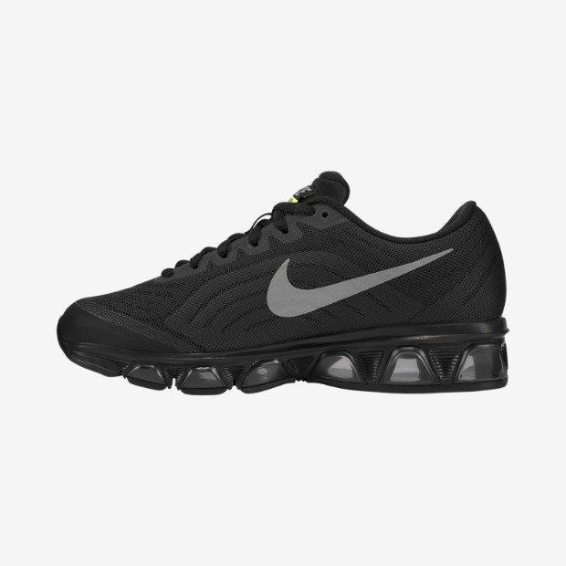 nike-wmns-black-reflective-silver-dark-grey-volt-now-available-2