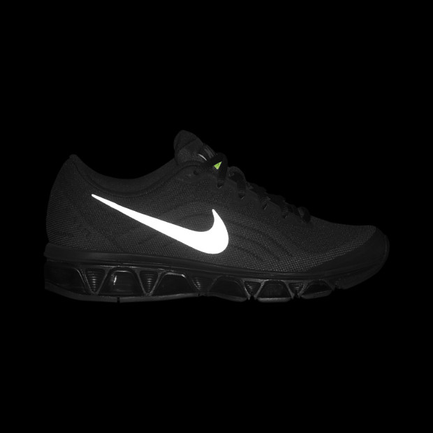 nike-wmns-black-reflective-silver-dark-grey-volt-now-available-5