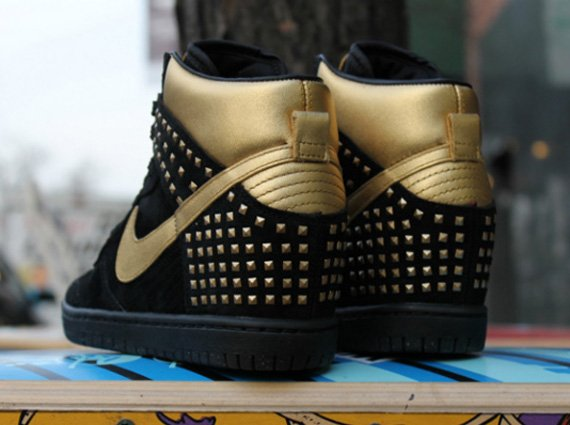 new arrival 5def3 61f4d Nike WMNS Dunk Sky Hi Gold Studs Release Date