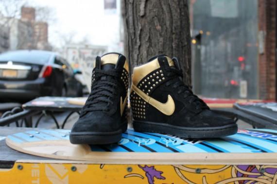 Nike WMNS Dunk Sky Hi Gold Studs Release Date